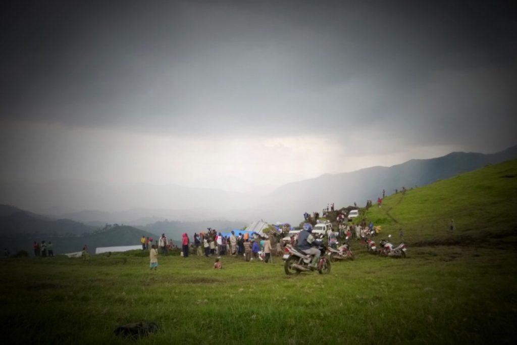 Fourmis sur la montagne avant l'orage